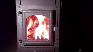 Blist Ekonomik Lux- самая бюджетная печь-камин, футерованная шамотом. Посмотрим как она горит?